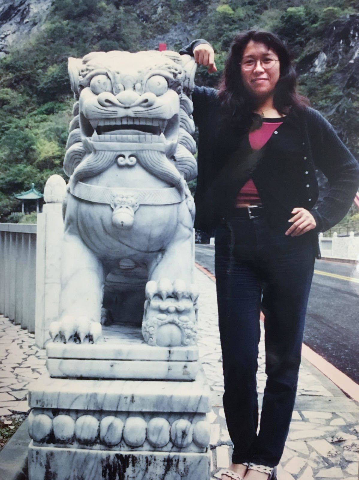 "In autumn 1998, she was still a ""white collar employee"" in Taipei, who didn't cook a lot. (Photo: Liyah Huiling, autumn 1998 Taroko National Park in Hualian)"