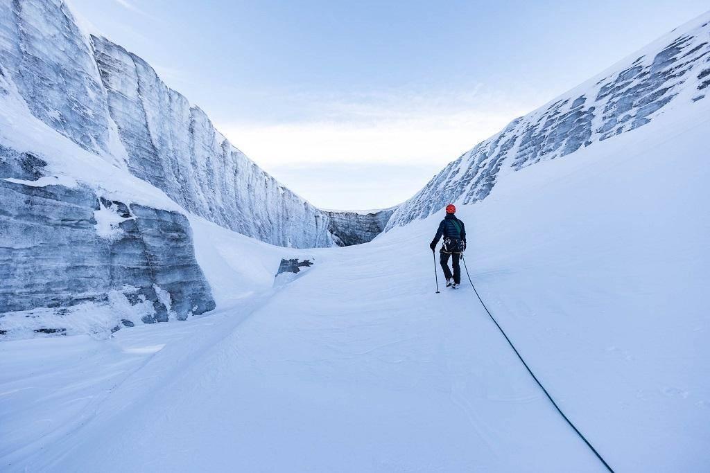 Un muro de hielo marca el final del camino. ¿Pero qué se oculta debajo?