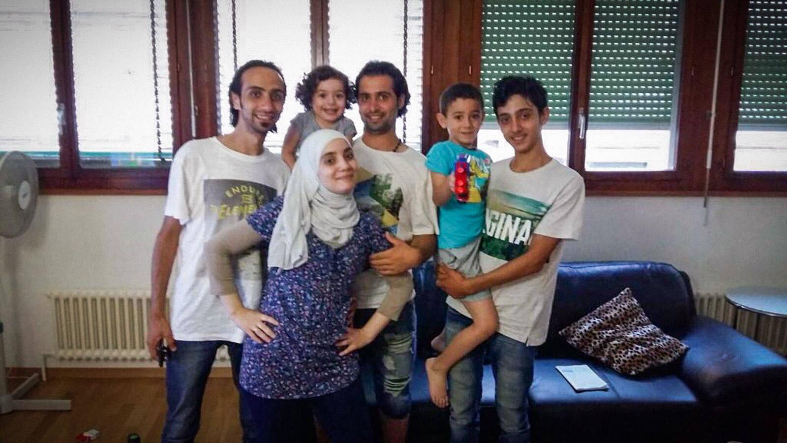 Nadeem e seus irmãos chegaram na Suíça em agosto de 201Logo depois se reuníram ao resto da família que já vivia em Genebra. (Foto: Nadeem Khadem al-Jamie)