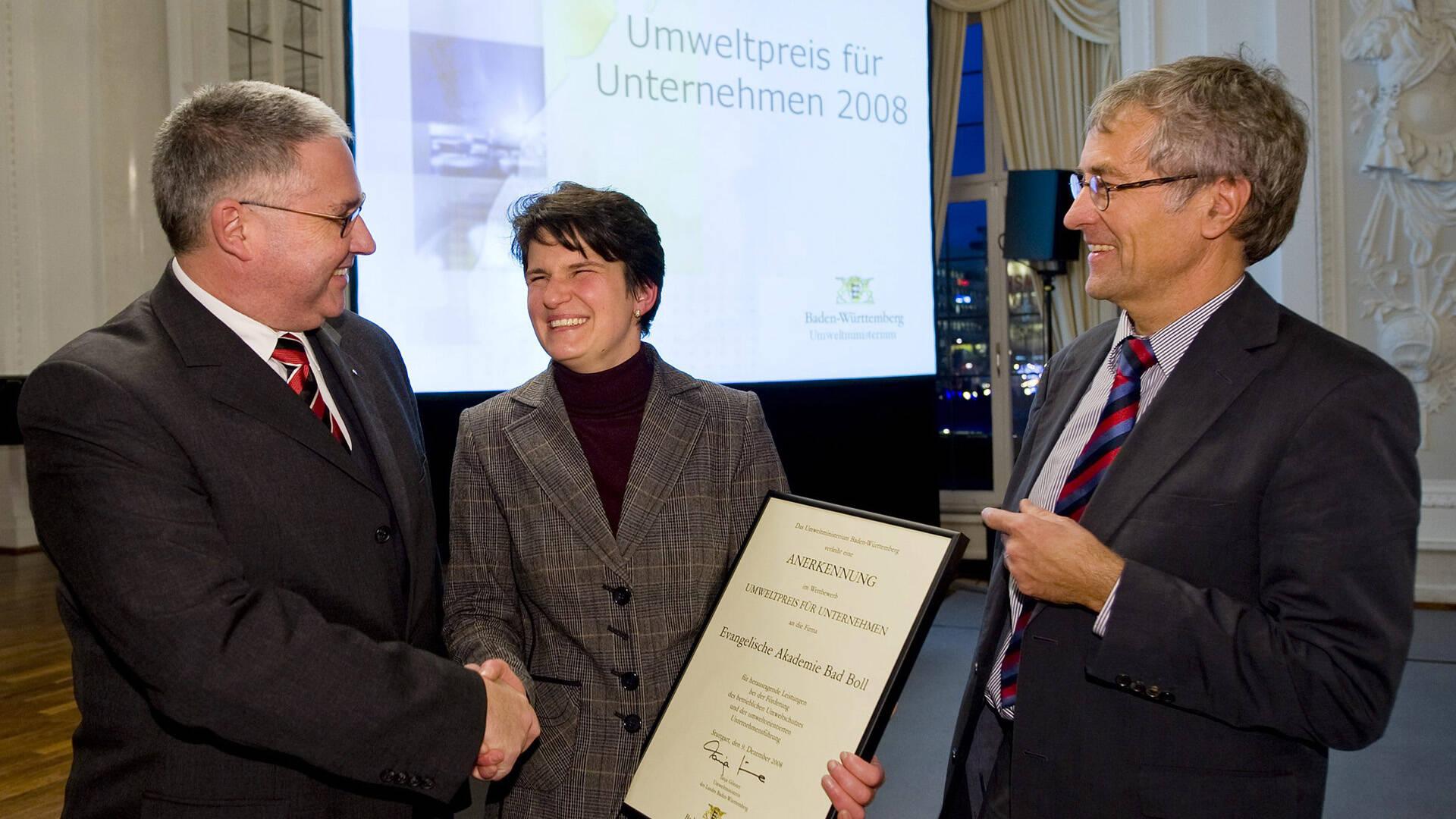 Akademie-Geschäftsführer Achim Ganßloser, die damalige Umweltministerin Baden-Württembergs, Tanja Gönnen, und Studienleiter Jobst Kraus.
