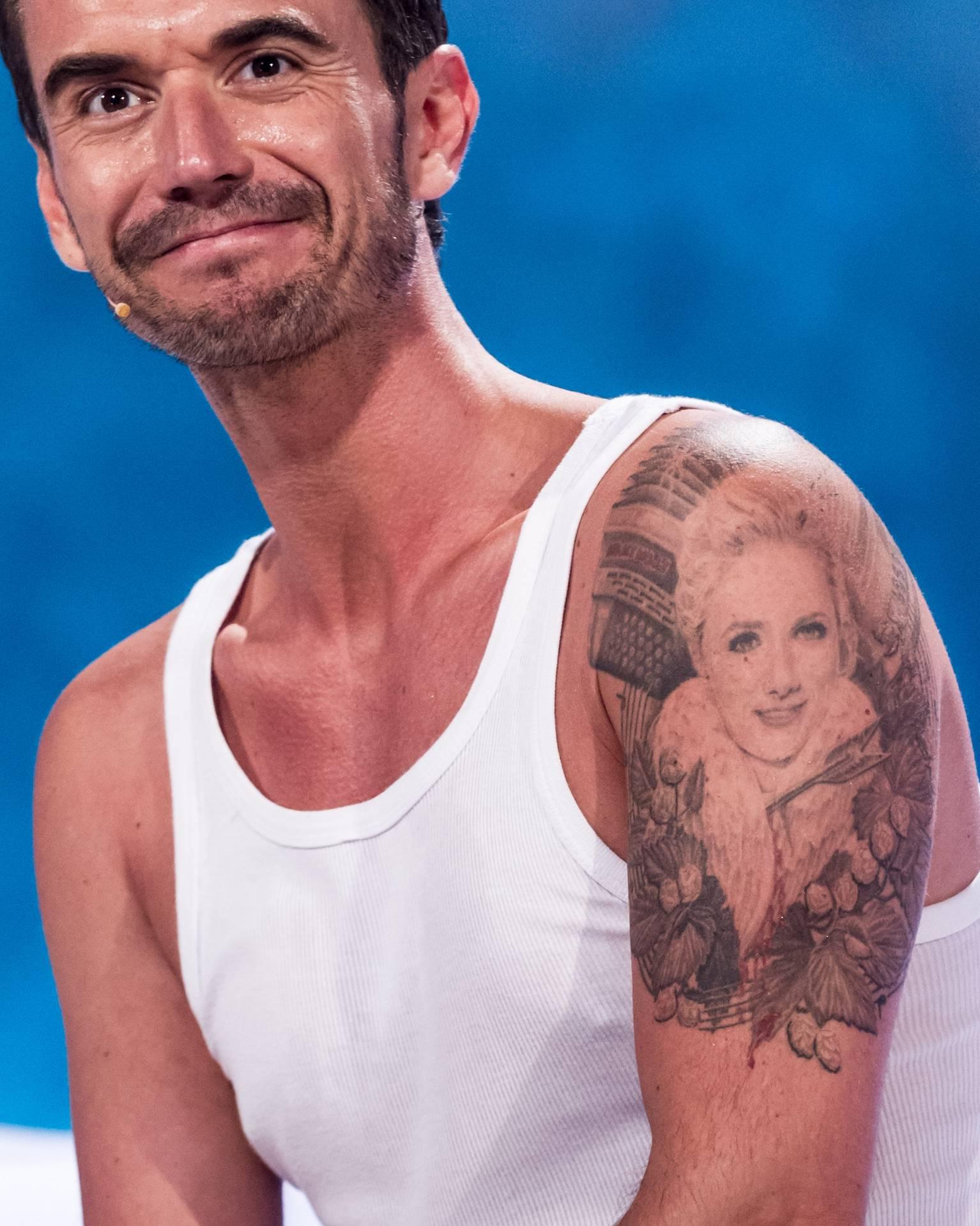 Unterarm tattoo mann schattierung
