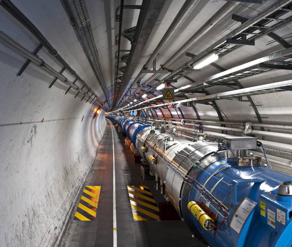Der Large Hadron Collider verläuft in einem 27 Kilometer langen Kreistunnel unter Genf. Mit Hilfe der Maschine haben Forscher das berühmte Higgs-Teilchen entdeckt.