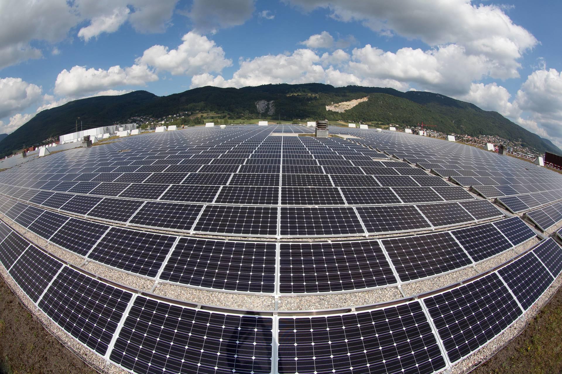 Seit diesem Jahr liegt der Ökostromzuschlag bei 6,88 Euro-Cent je Kilowattstunde, im Jahr 2003 waren es lediglich 0,41 Euro-Cent.