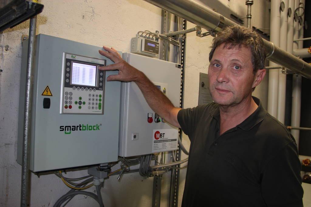 Theo Beutinger, Chef des Fachbetriebs für Lackierungen und Beschriftungen, hat sich mit dem Thema Energieeffizienz bereits auseinandergesetzt, als an die Energiewende noch längst nicht zu denken war.