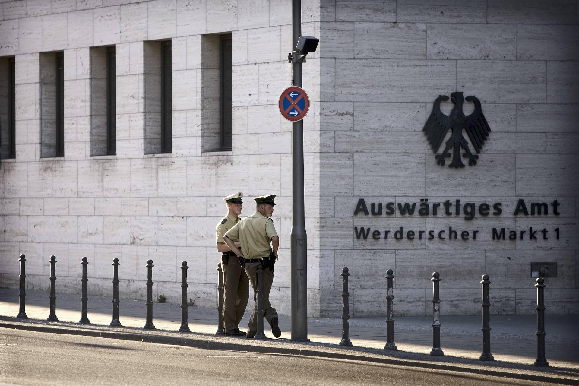 Auf der Internetseite des Auswärtigen Amts gibt es aktuelle Reisewarnungen. (Foto: dpa)