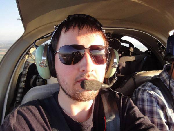Дмитрий Багин в кабине самолета. Фото: Багин