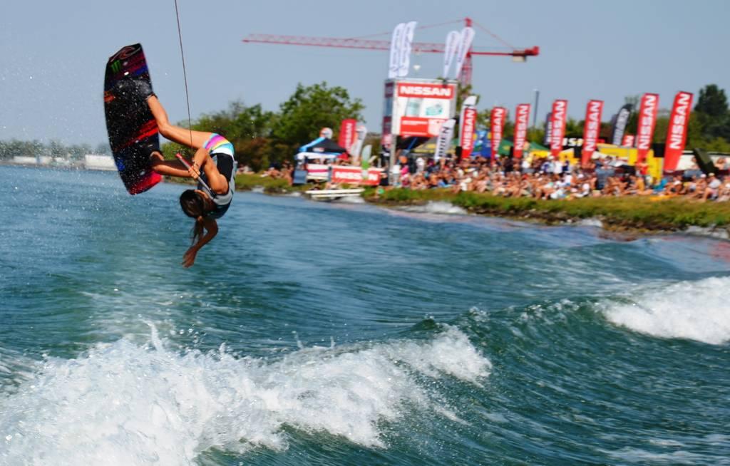 Coole Stunts auf dem Wasser gibt es beim Chill&Ride in Freistett zu sehen.