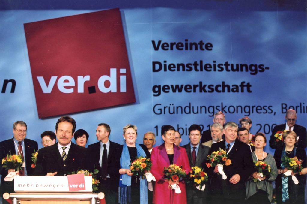 Der auf dem Gründungskongress gewählte Vorstand | ver.di-Archiv
