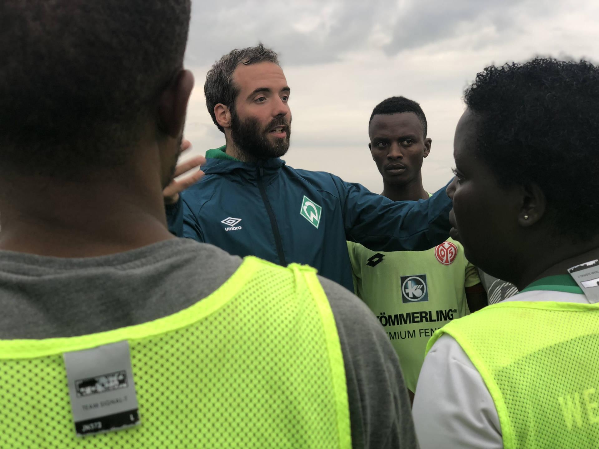 Henrik Oesau ist für den SV Werder vor Ort.