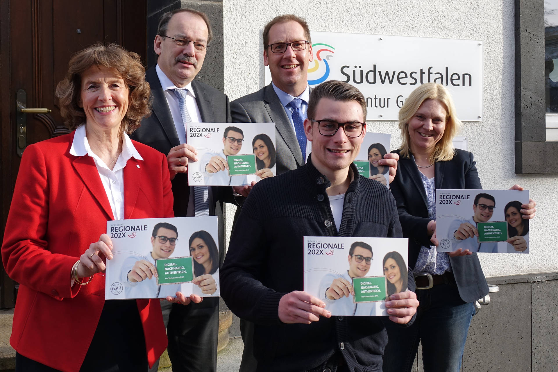 Stellten im Rahmen der Pressekonferenz die südwestfälische Regionale-Bewerbung vor: von links Dr. Margrit Prohaska-Hoch, Thomas Gemke, Hubertus Winterberg, Henrik Schmoll-Klute und Dr. Stephanie Arens.
