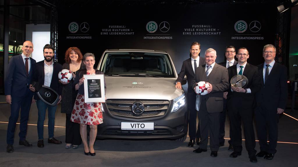 Gewinn: DFB-Sponsor Mercedes schenkte dem FV Gonnesweiler einen nagelneuen Mercedes VIto.