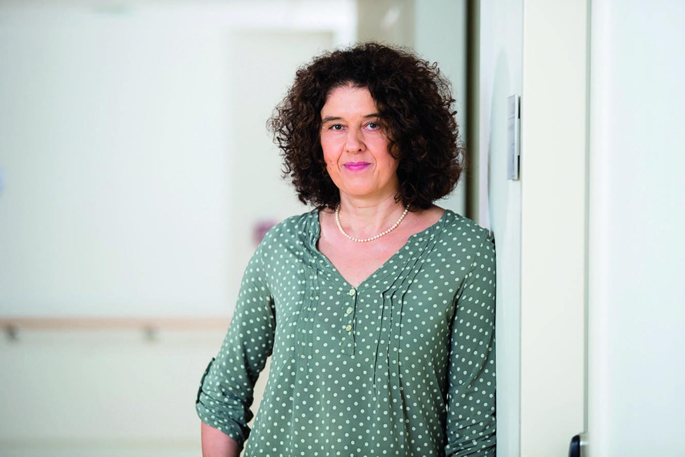 Annette Rommel leitet das spezialisierte ambulante Palliativteam am Agaplesion Diakonieklinikum, das mit der Schmerzambulanz Alten Eichen und dem Deutschen Roten Kreuz kooperiert.