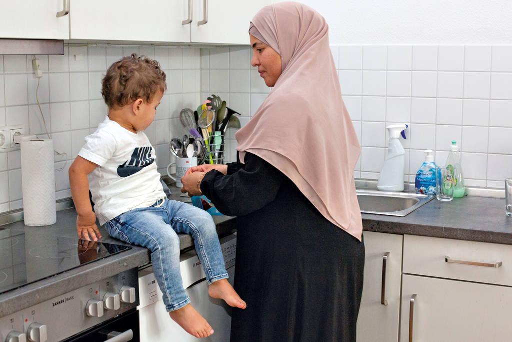Frauen, die aus dem Frauenhaus heraus eine Wohnung suchen, haben es schwer. Esra L. ist sehr froh, dass sie mit ihren drei Kindern schließlich doch eine erhalten hat.