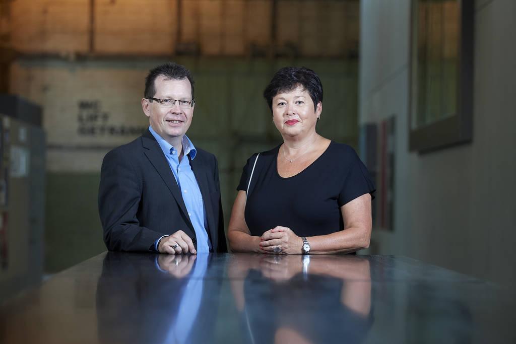 Elisabeth Schenk Jenzer mit Martin Schäfer, dem Rektor der PHBern.