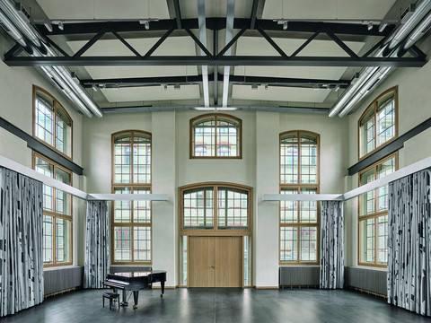 Der Plenar- und Konzertsaal des neuen Musikhauses (Foto: David Willen).
