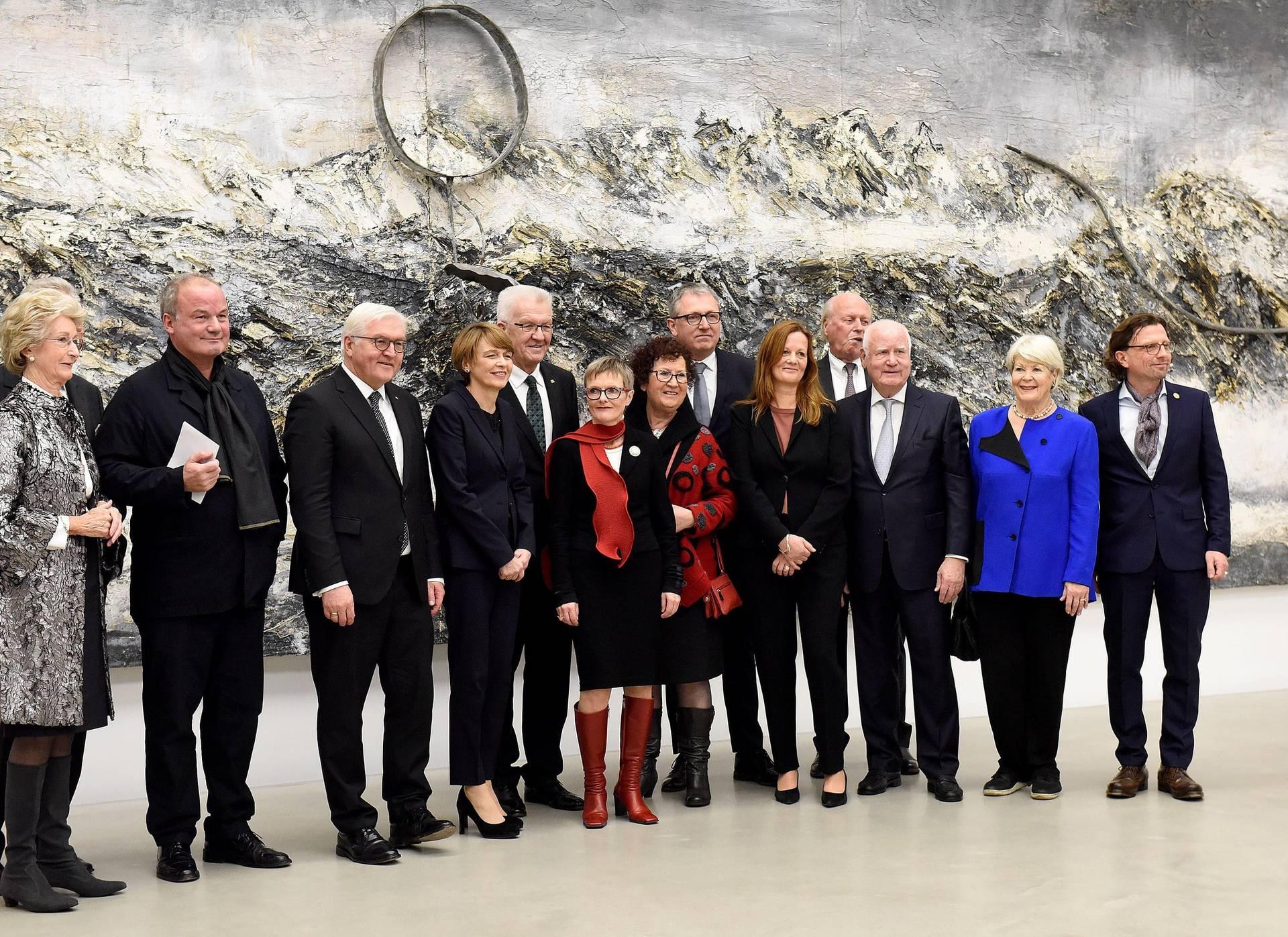 Auch Bundespräsident Frank-Walter Steinmeier und Ministerpräsident Winfried Kretschmann gratulieren zum Neubau der Kunsthalle Mannheim