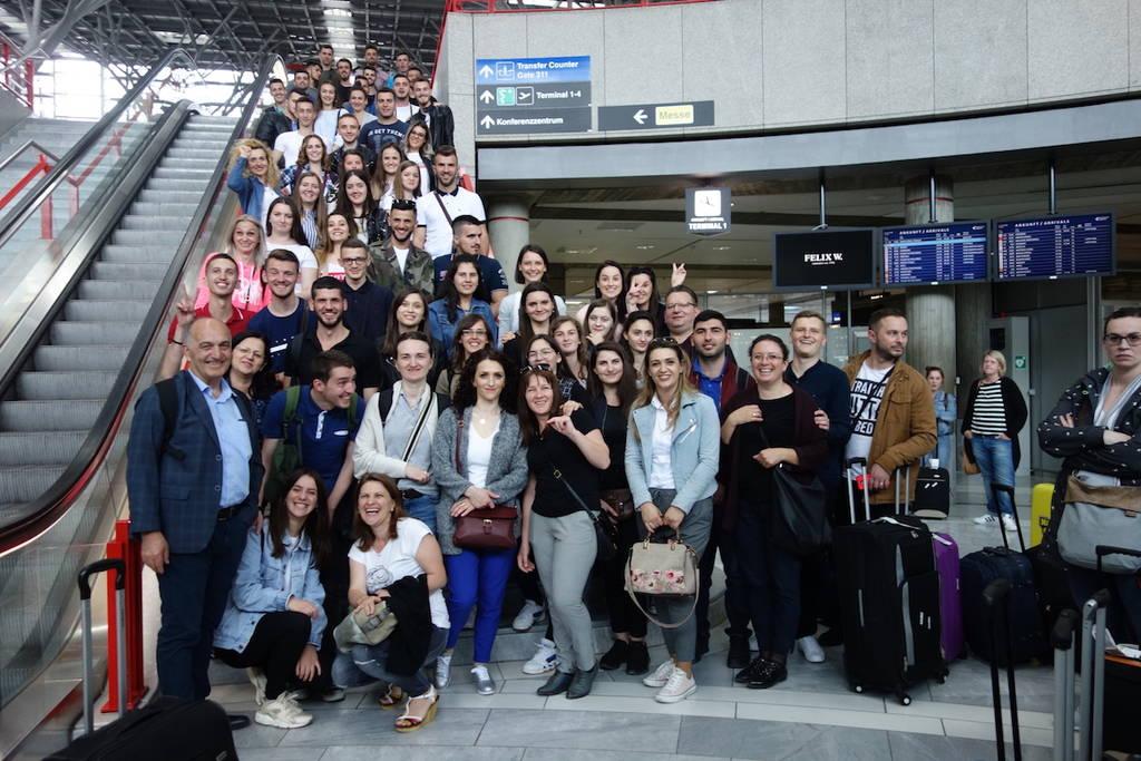 Ankunft der Auszubildenden am Flughafen