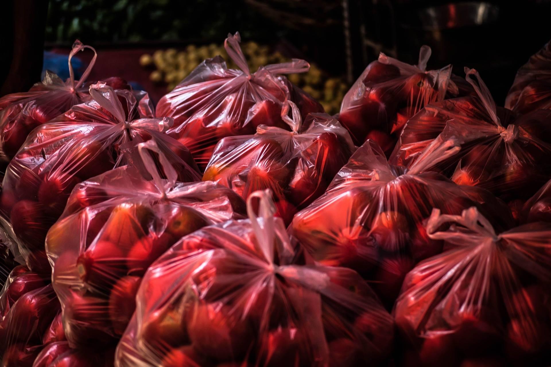 Viel zu viele Plastiktüten werden jedes Jahr verwendet.